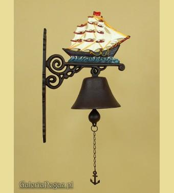 Dzwonek z żaglowcem