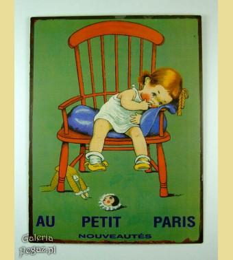 Dziewczynka na krześle