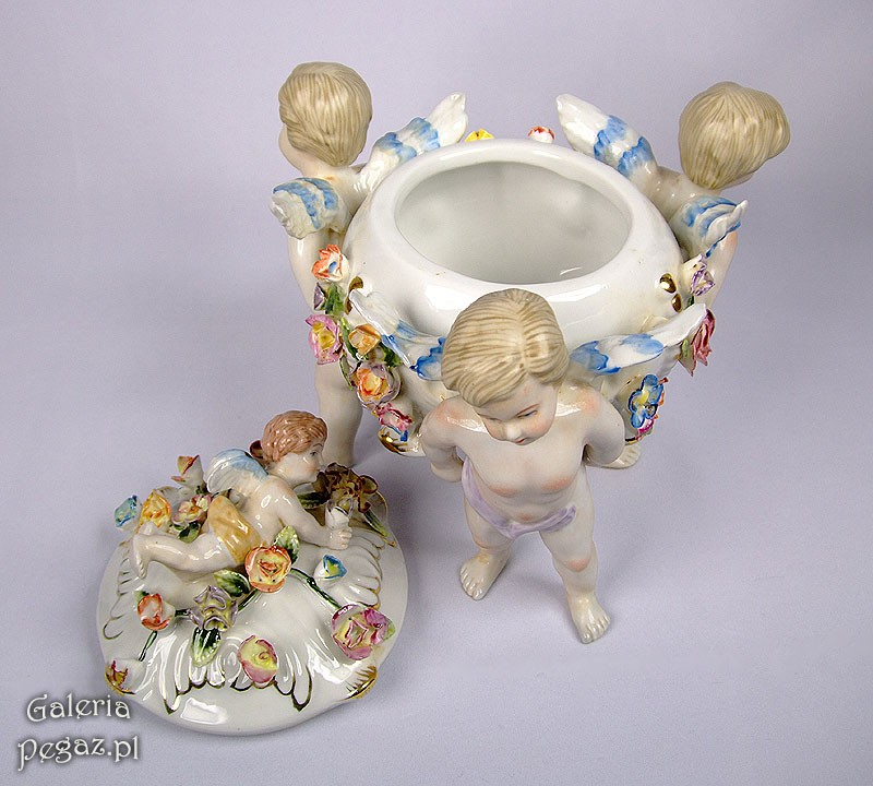Archiwa Bomboniera: Cukiernica Z Figurkami Amorków