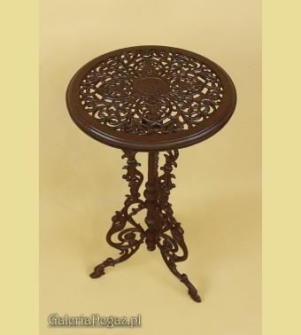 Brązowy żeliwy stolik