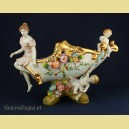 Porcelanowa żardiniera z figurami