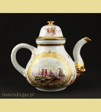 Porcelanowy dzbanek na herbatę